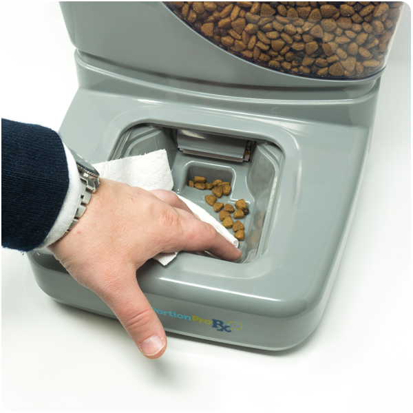 PortionPro™ pet feeder easy to clean